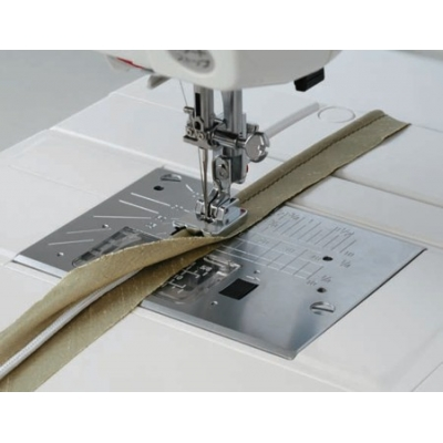 Лапка для вшивания канта