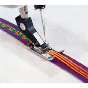 Лапка для шнура с 7-ю отверстиями и с нитевдевателем