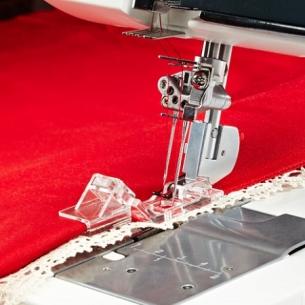 Лапка для вшивания кружева,тесьмы на Pfaff Coverlock