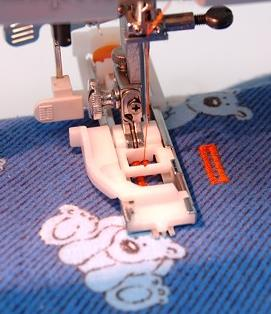 Швейная машинка janome 423s 5522 выметывает